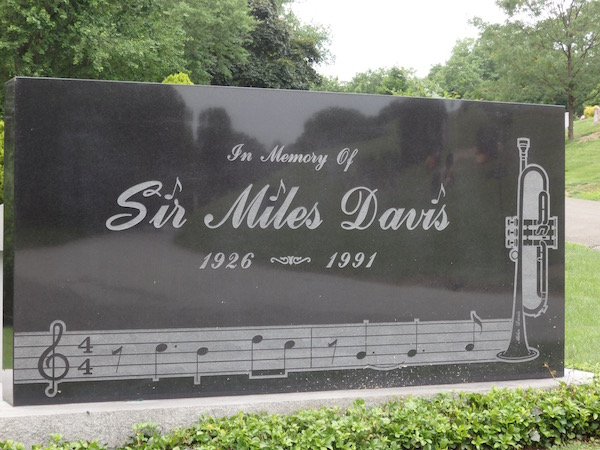Miles Davis Woodlawn Cemetery